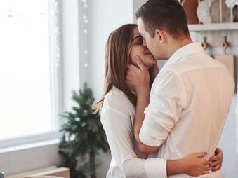 Kamu Perlu Tahu, Ini Alasan Pria Mencium Bibir Wanita