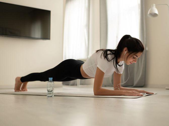 5 Gerakan Olahraga Sebelum Tidur Untuk Menurunkan Berat Badan Galadiva Com